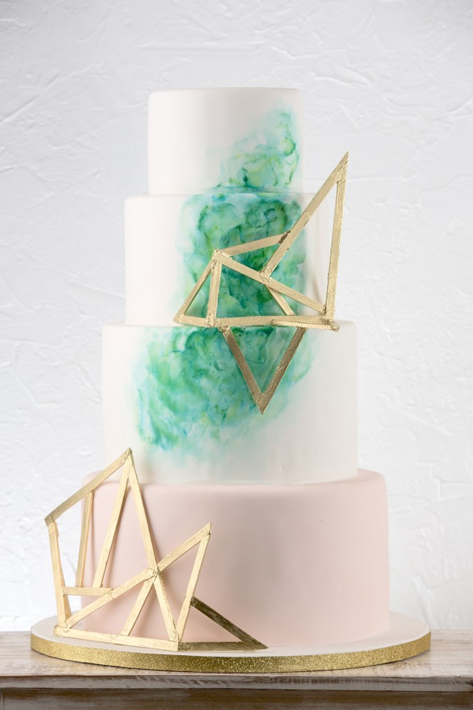 Inspiring geometric wedding d cor for Art deco cake decoration