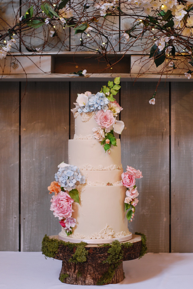 Wedding-cakes-ireland-cupcakes-and-counting