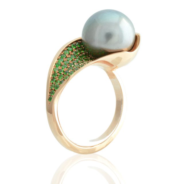 green_lily_pearl_cocktail_ring6
