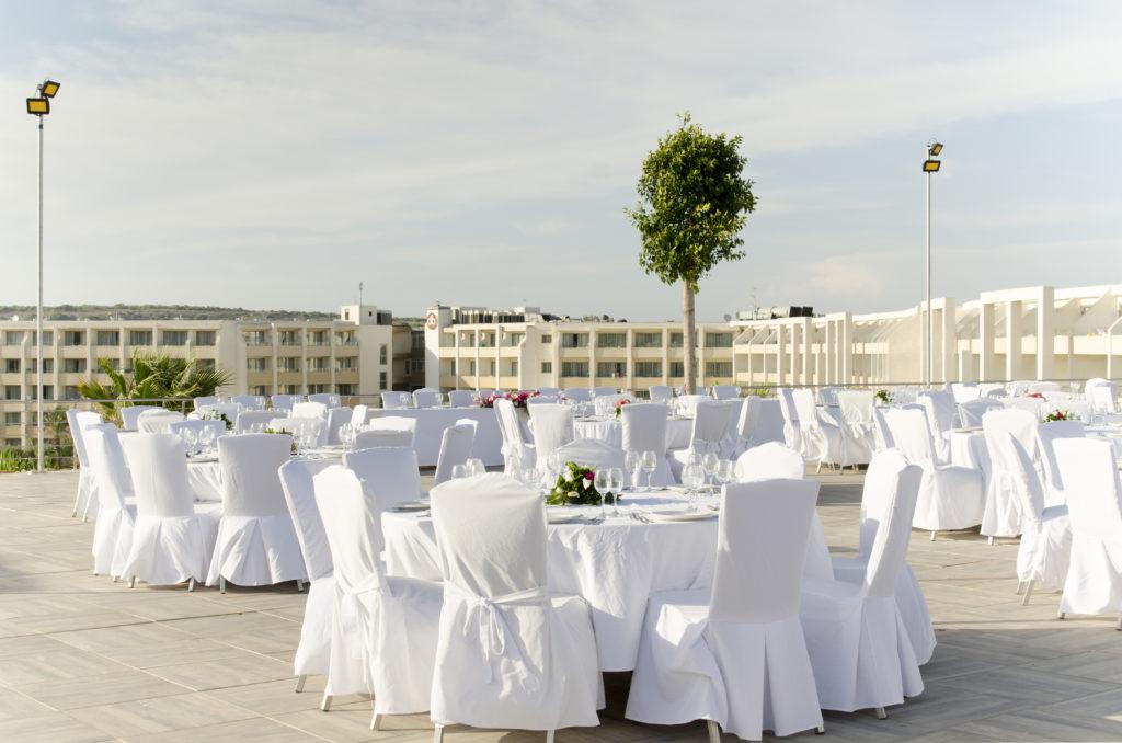 sb_upper-terrace-dinner-setup-4