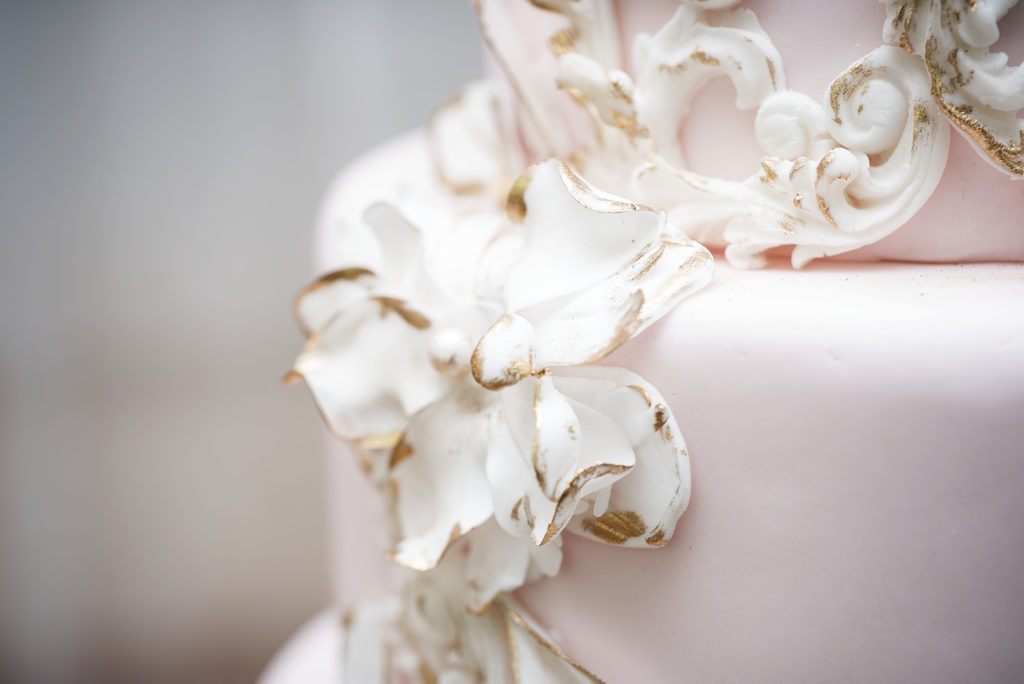 wedding cake trends spring 2017