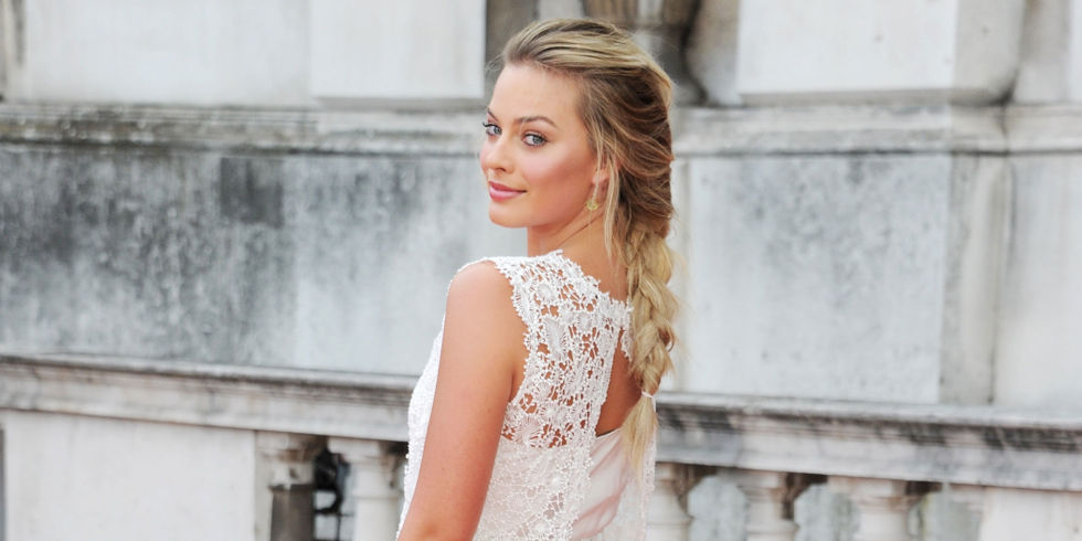 Margot Robbie's bridesmaid dress is gorgeous, and here's