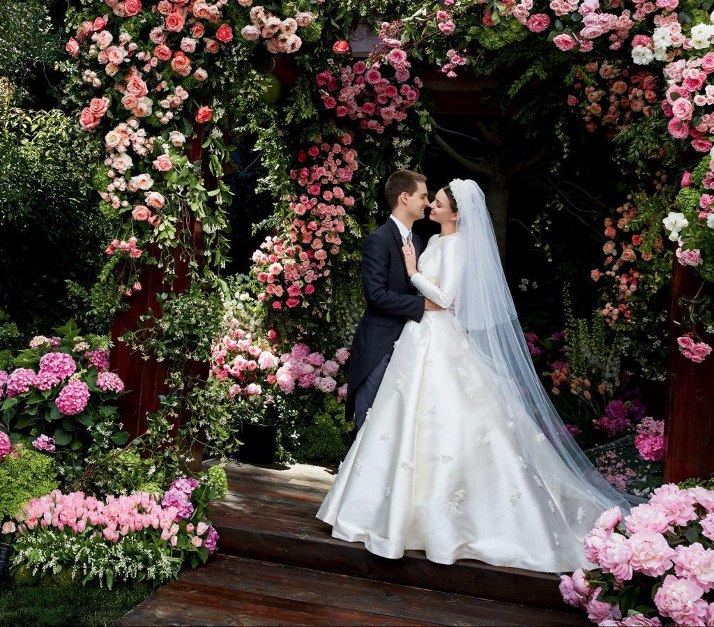 Miranda kerr 39 s custom haute couture wedding gown will make for Haute wedding