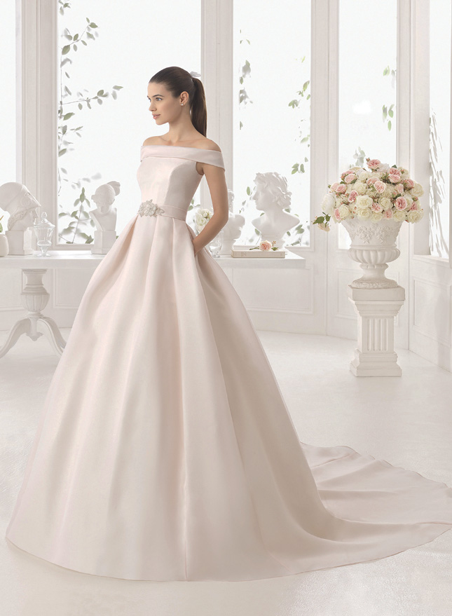 Pocket rockets: 7 wedding dresses with pockets that we\'re obsessed ...