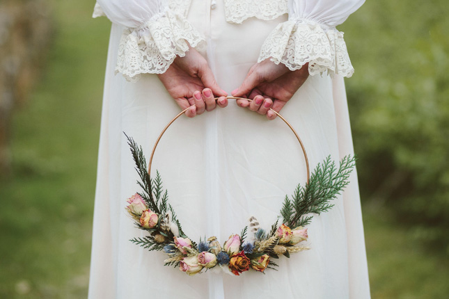 Magnificent Wedding Wreaths Are The Perfect Winter Wedding Decor Trend Download Free Architecture Designs Remcamadebymaigaardcom